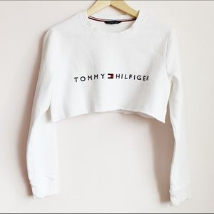 white tommy hilfiger logo ultra crop fleece